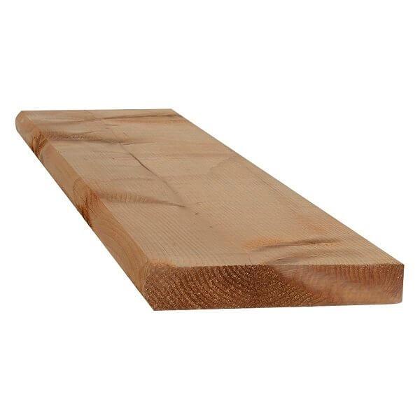 Marche en bois traité
